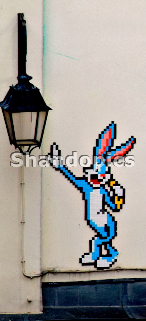 Bugs Bunny in Paris 2015